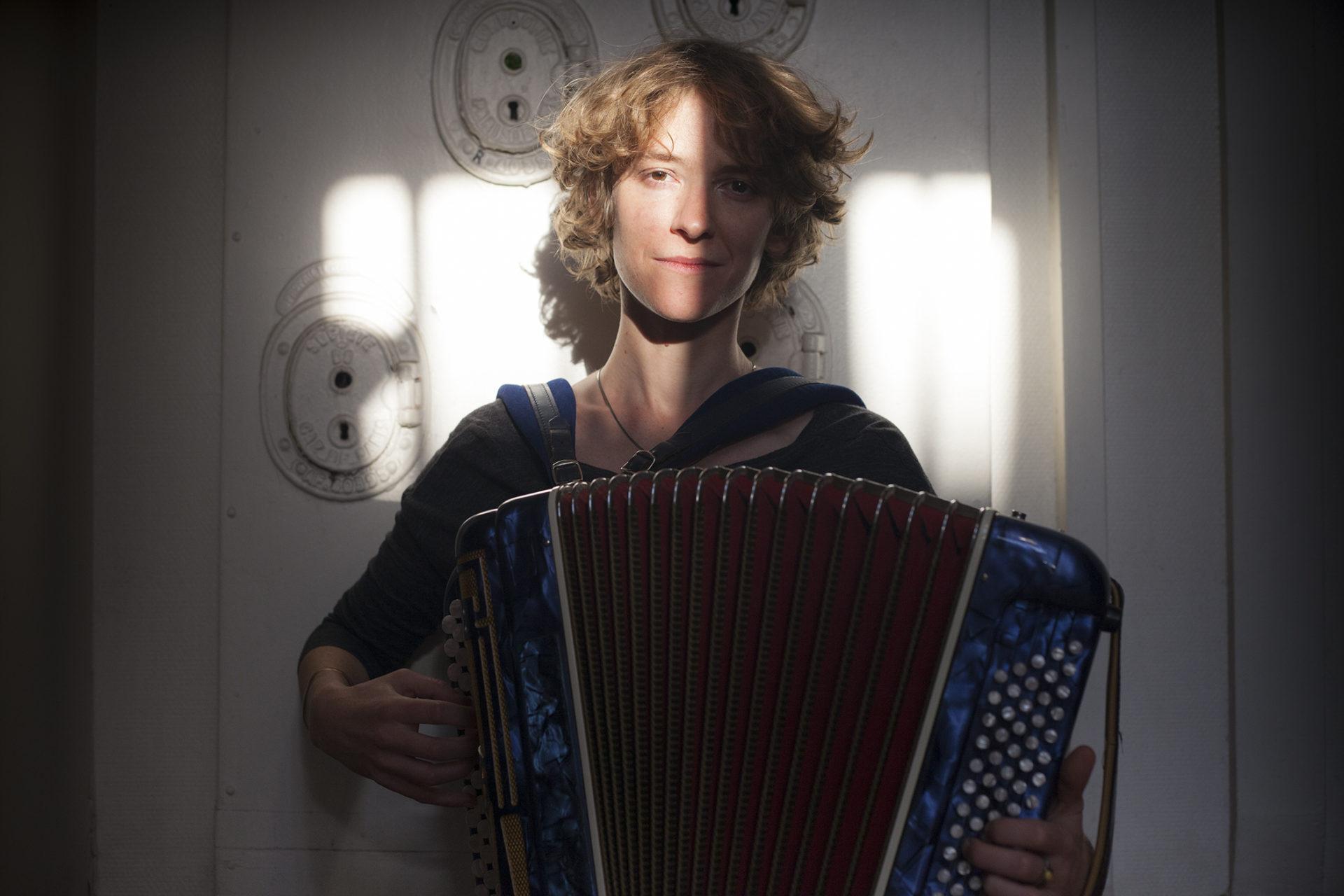 Lucie Taffin, auteure-compositrice-interprète